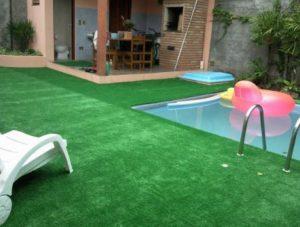 Grama sintetica para jardim e piscina