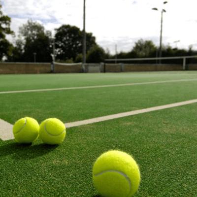 grama sintetica tenis
