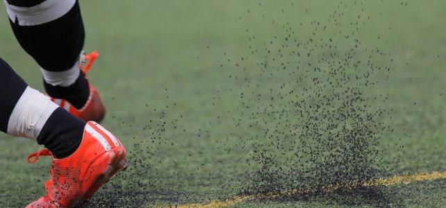 Quando é necessário trocar a grama sintética?