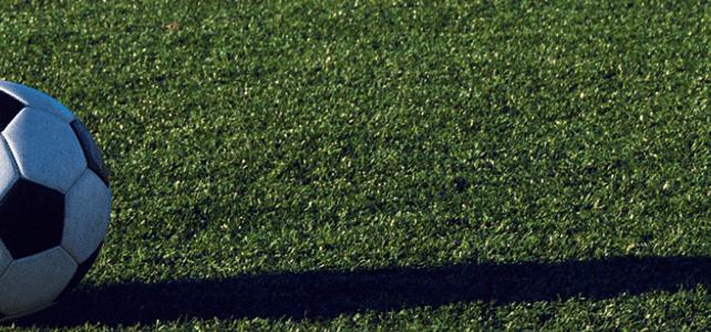 Cuidados para mantener su cancha de futbol society de césped sintético