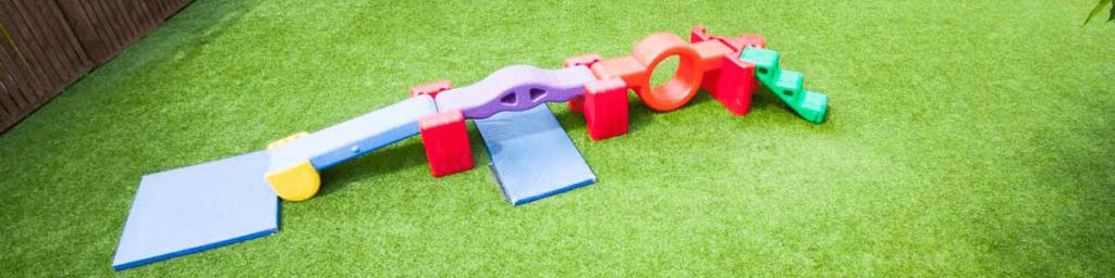 grama artificial para playground