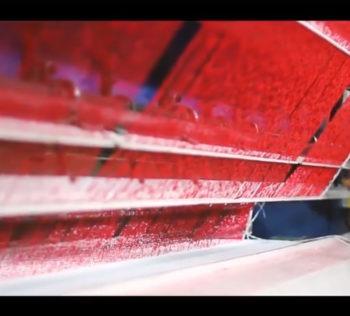 grama sintetica vermelha