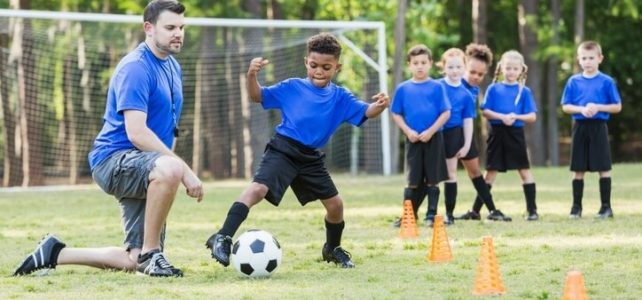 1e70dde30dcd3 A importância das Escolinhas de futebol no desenvolvimento das crianças