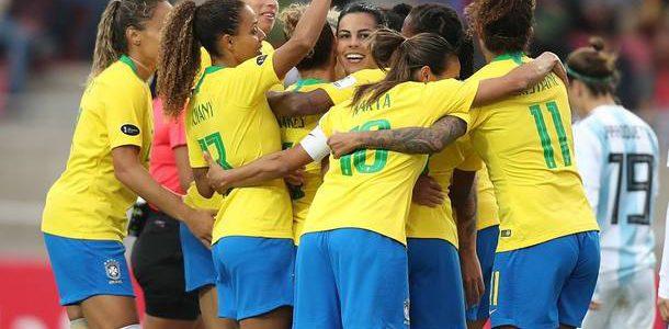 ¡Conozca la historia del fútbol femenino brasileño y sus conquistas!