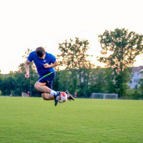 Quais são as principais habilidades que um jogador de futebol precisa ter?