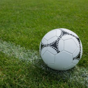ad5018c53 Santos reforma o gramado do campo com grama esportiva sintética