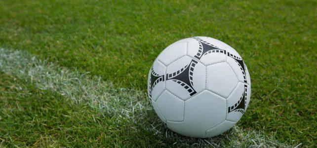 Santos reforma o gramado do campo com grama esportiva sintética