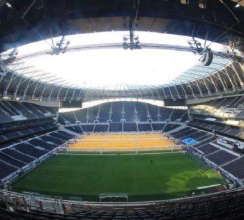 gramado sintético esportivo Tottenham