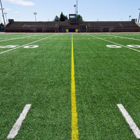 6 Motivos para você jogar em um campo de grama sintética