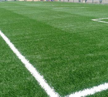 grama sintetica e instalada na quadra de esporte do SESC Jacobina Sportlink