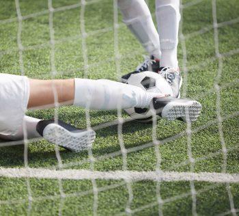 Qual o processo de drenagem de um campo de futebol de Grama Sintética?